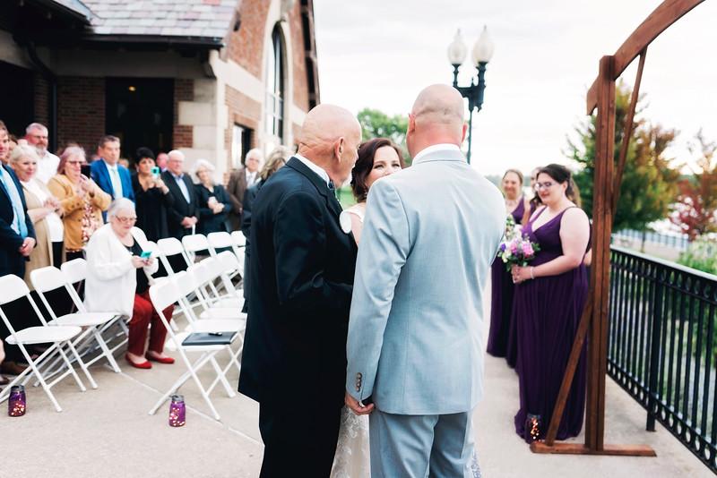 chateau-on-the-river-trenton-michigan-wedding-0262.jpg