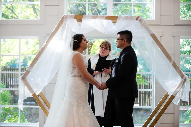 Kaitlin_and_Linden_Wedding_Ceremony-140.jpg