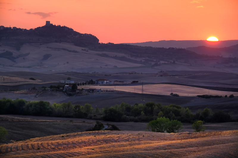 val-dorcia-sunset.jpg