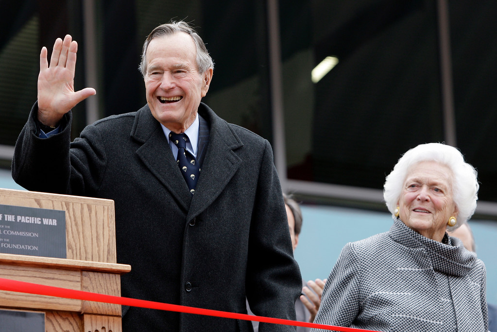 . Former President George H.W. Bush and former first lady Barbara Bush arrive for a ceremony to dedicate an expanded gallery that carries his name at the National Museum of the Pacific War, Monday, Dec. 7, 2009, in Fredericksburg, Texas. The 41st president, who lives in Houston, is a former World War II naval aviator who survived being shot down over the Pacific.   (AP Photo/Eric Gay)