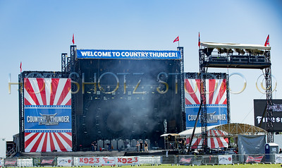 COUNTRY THUNDER 2019