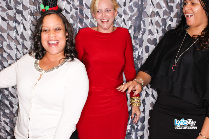 red-hawk-2017-holiday-party-beltsville-maryland-sheraton-photo-booth-0207.jpg