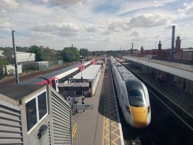 New Azuma departing Newark for Kings cross on Upline PLt 2 & LNER  diesel inloop on Plt 3