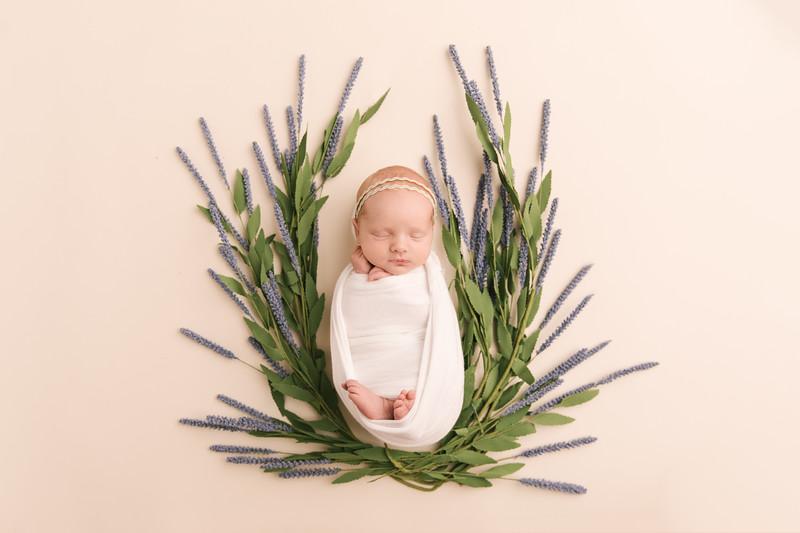Autumn-Newborn-High-Resolution370A0086-Edit.jpg