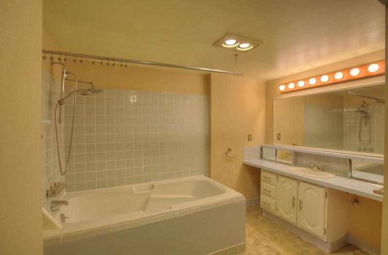 full bath downstairs.jpg