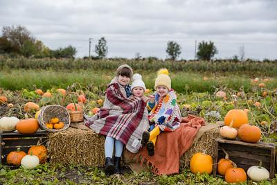 Daisy, Margot & Agnes @ The Pumpkin Patch 20