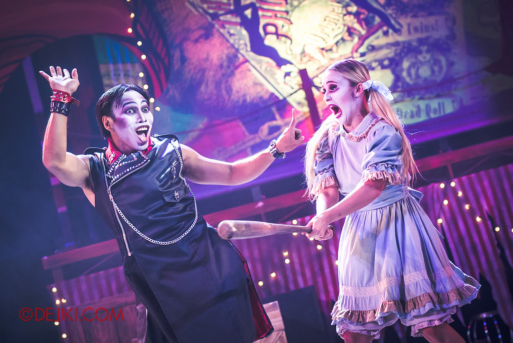 Halloween Horror Nights 6 - Jack's Recurring Nightmare Circus / Whack a Head - Mary screams