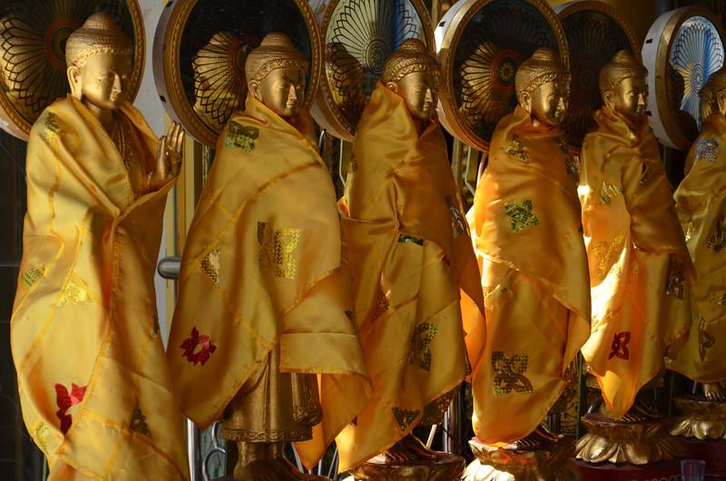 DSC_3535-sule-paya-buddhas.JPG
