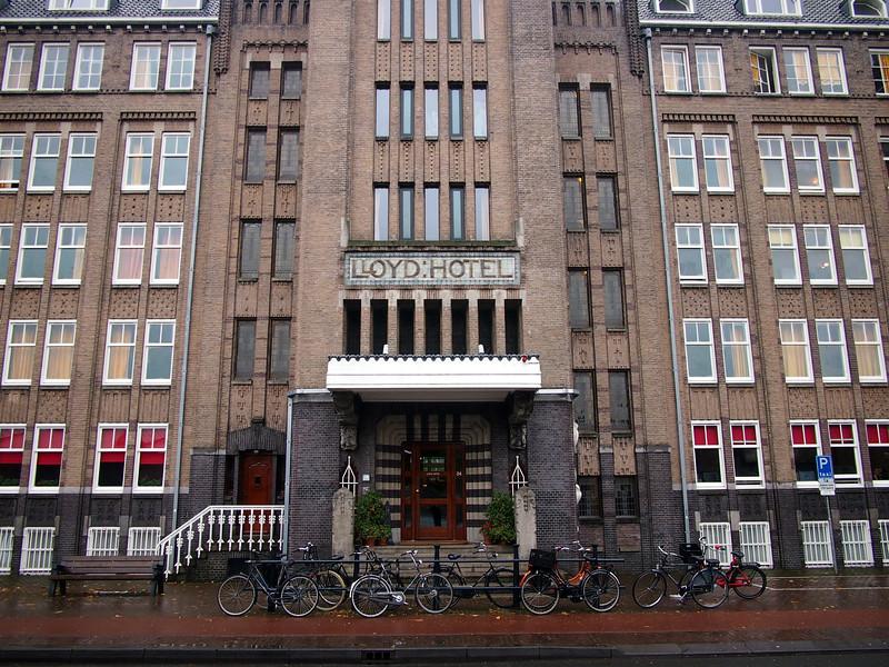 PA083570-lloyd-hotel-entrance.JPG