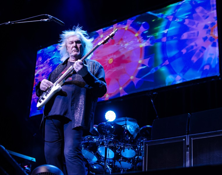 YES IN ATLANTIC CITY--RIP CHRIS SQUIRE...ONE OF THE BEST!