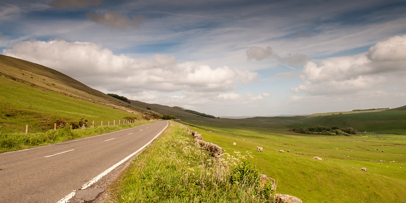 The road on Rushup Edge