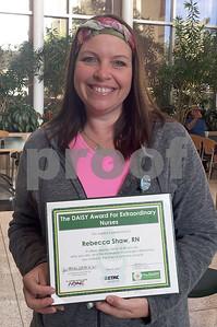 etmcjacksonville-nurses-receive-daisy-awards