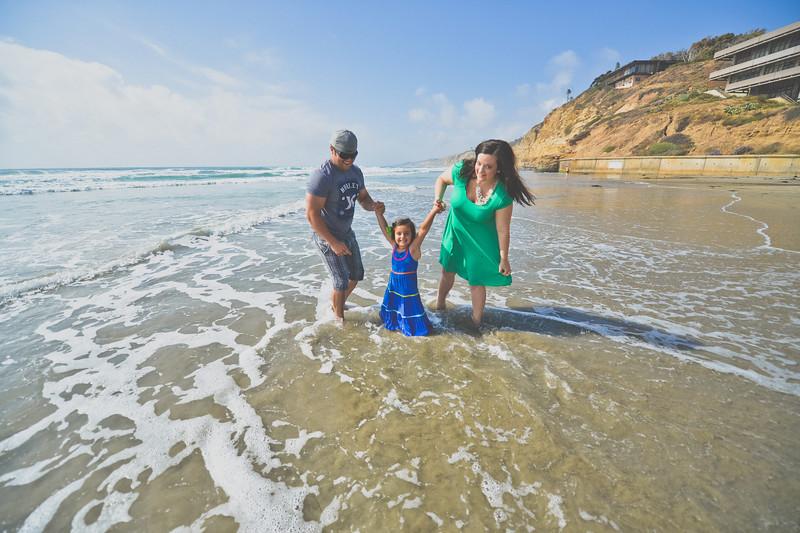 beach family (28 of 18).jpg