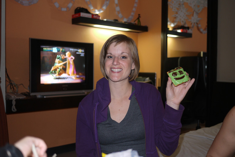 Lindsay shares her decorated Christmas cookie