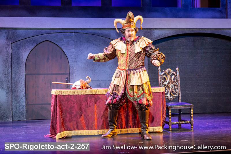 SPO-Rigoletto-act-2-257.jpg
