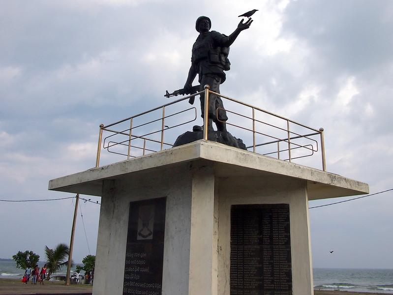 P2178638-war-monument.JPG