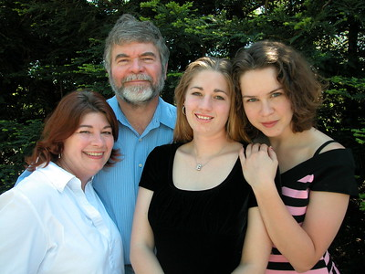2004-04-24-FamPics by Loree
