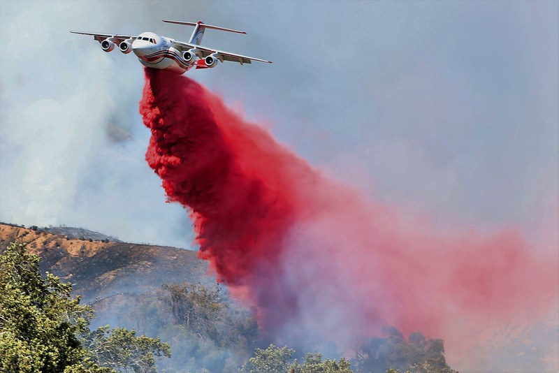 Avro RJ85 Airtanker actioning a wildfire in San Bernardino - California.  Photo by Ben Cottman.jpg