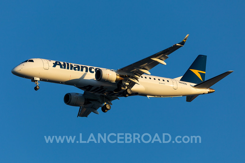 Alliance ERJ-190-100 - N822QQ - BNE