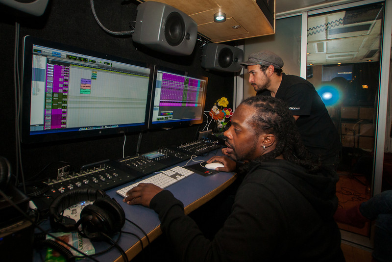 2015_02_13, Los Angeles, CA, Fernando Pullum Community Arts Center, Student Recording Session, Detail, Peter Novoa