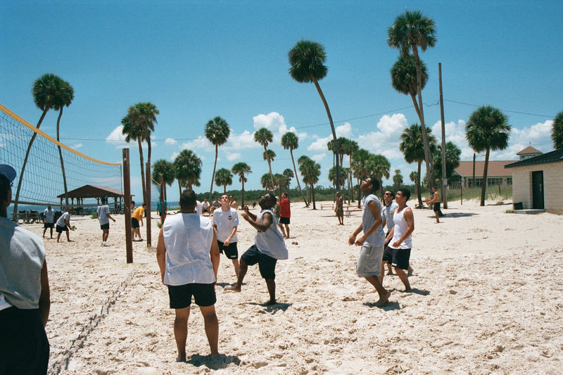 2002 05 22 - 6CS Beach party 05.JPG