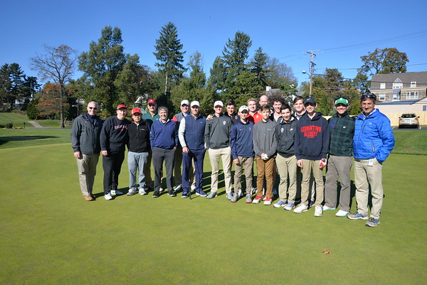 Alumni Sponsored Golf Team Play
