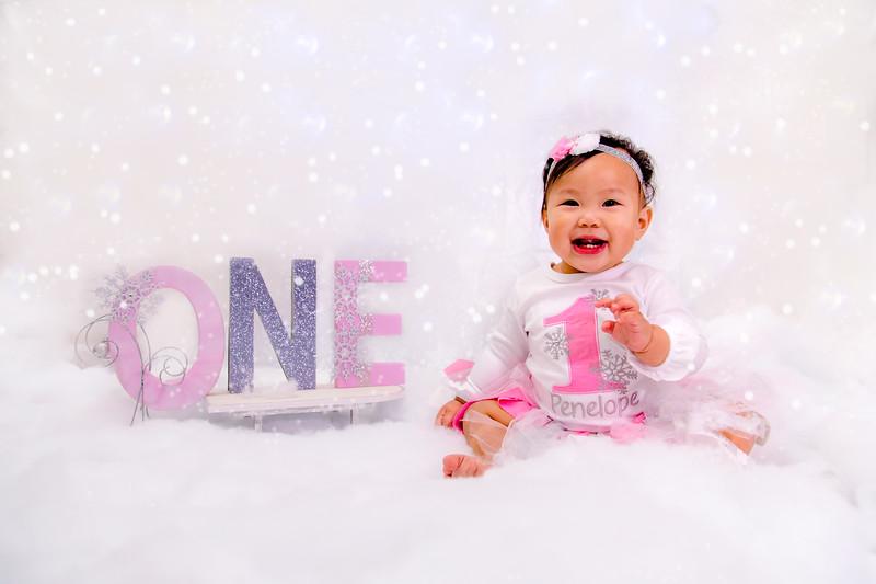 Penelope's 1st Birthday Photoshoot-214-162.jpg