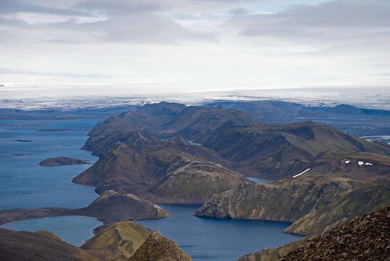 Langisjór vinstra megin, Fögrufjöll fyrir miðju, Skaftá hægra megin. Tungnaárjökull í bakgrunni.