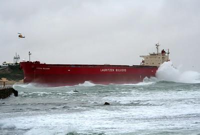 PASHA BULKER aground at Newcastle