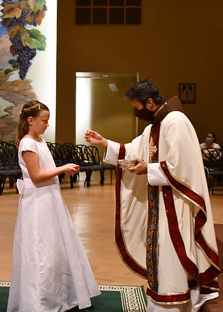 07-14-2020 First Communion, Serra Center, Group 02