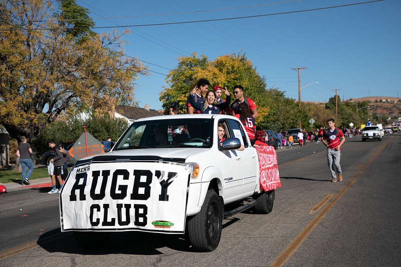 HOMECOMING PARADE 2019-2212.jpg