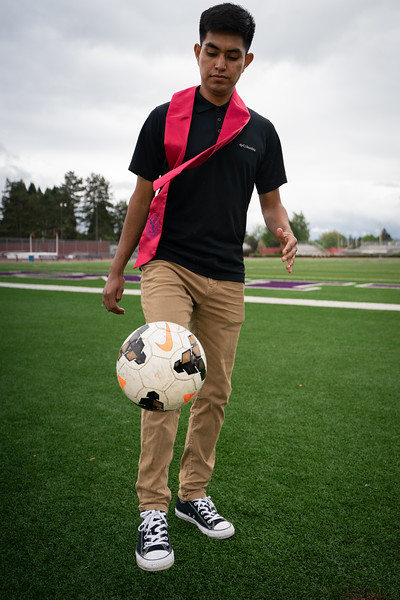 1905_15_efrain_senior_pictures-03673.jpg