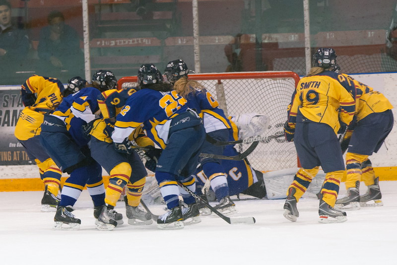 20130310 QWHockeyvsUBC 751.jpg