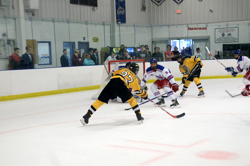 171007 Junior Bruins Hockey-118.JPG