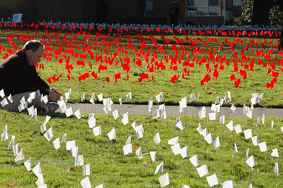 Iraq War Memorial - University of Oregon (2007)