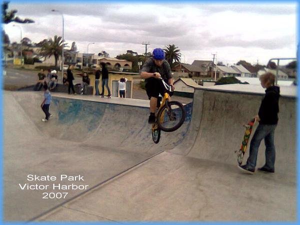 00007h.V. Harbor 07 skate park.jpg