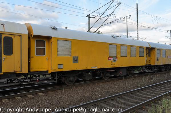 (60 80 9925) Wohn-Schlafwagen