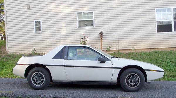 1985 Pontiac Fiero 2M4