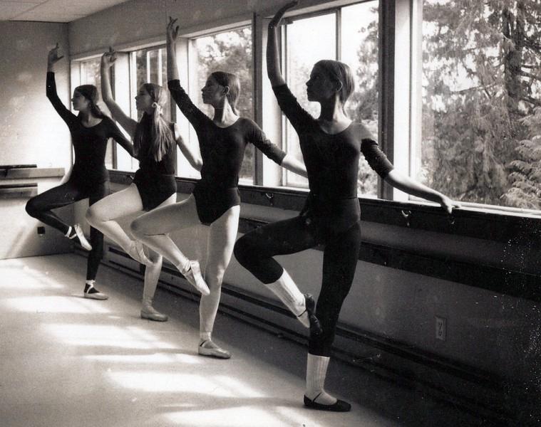 Dance_1227_a.jpg