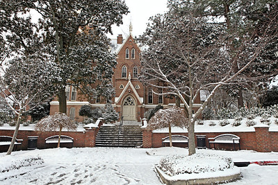 Snow On Campus: January 2014