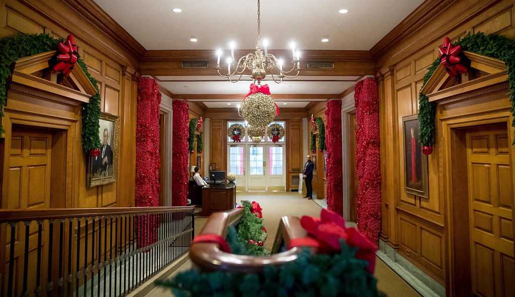 . The East Wing Hallway of the White House during a preview of the 2016 holiday decor at the White House, Tuesday, Nov. 29, 2016, in Washington. (AP Photo/Andrew Harnik)