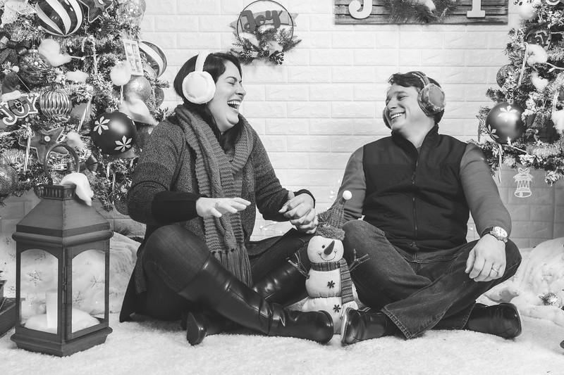 12.21.19 - Marceli's Christmas Photo Session 2019 - -22.jpg
