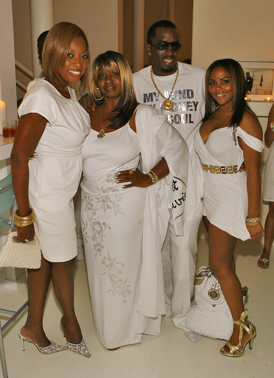 ". (L-R) Star Jones Reynolds, Janice Combs, Sean ""Diddy\"" Combs and Lil Kim attend \""The Real White Party\"" presented by Sean \""Diddy\"" Combs at the Combs\' East Hampton estate on September 2, 2007 in East Hampton, New York.  (Photo by Mat Szwajkos/CP/Getty Images for CP)"