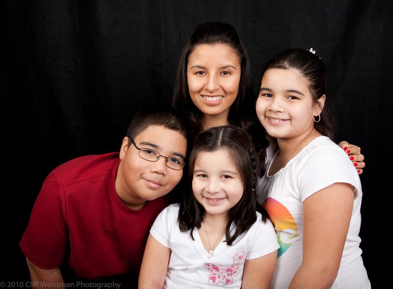 Fuentes Family Portraits-8437.jpg