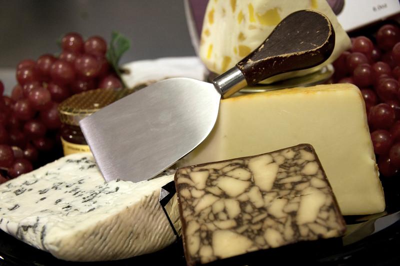 cheese-platter_3376865464_o.jpg