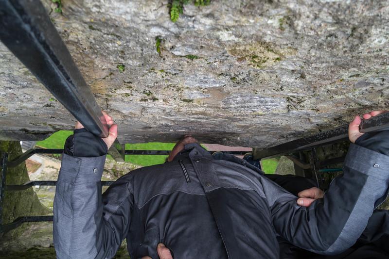 kissing-the-blarney-stone-6.jpg