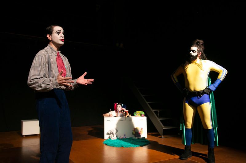 Allan Bravos - essenCIA Teatro - Persona 07-301.jpg