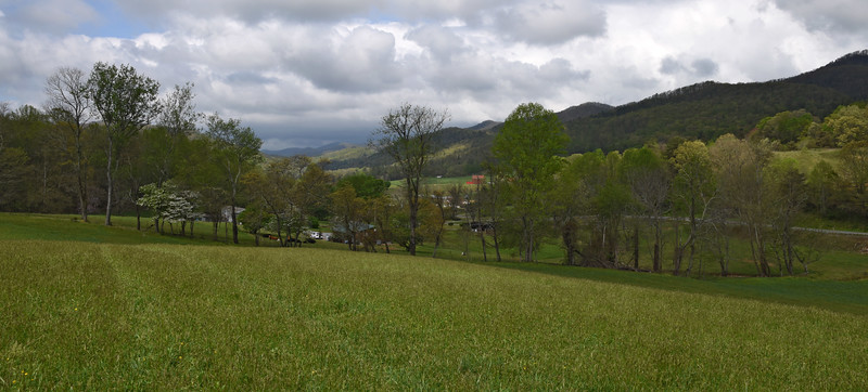 Greeneville Tenn Presley Farm April 2016_15.jpg
