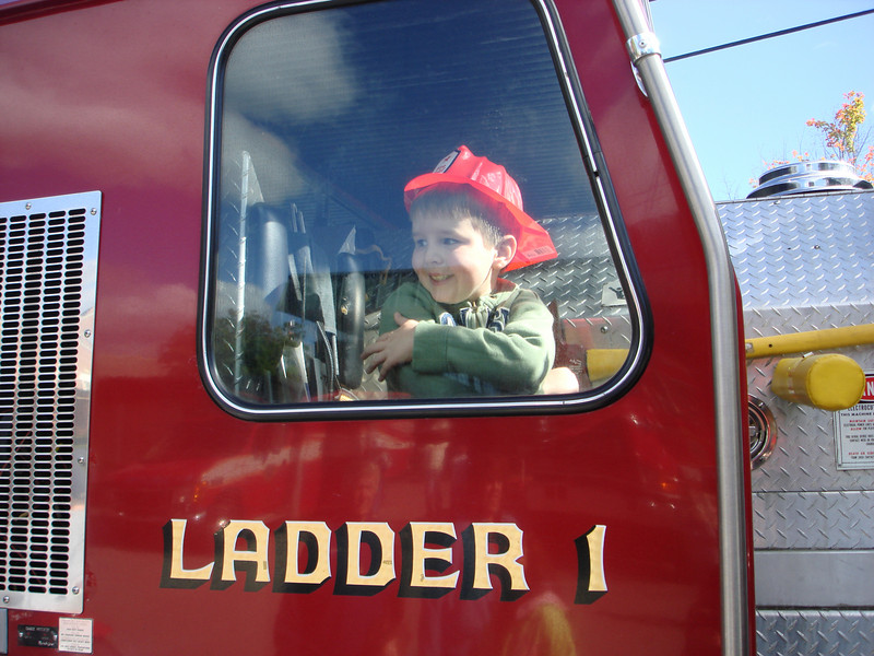 Oct07_playgroundandfirestation026.JPG
