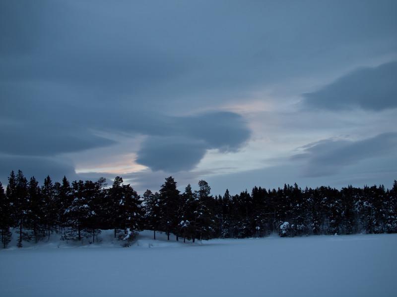 Haukvatnet i vinterlys (Foto: Ståle)